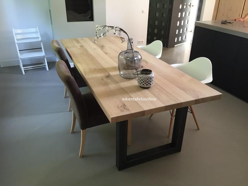 Eiken tafel Industrieel - 5 dik - metalen U onderstel 10x10 cm