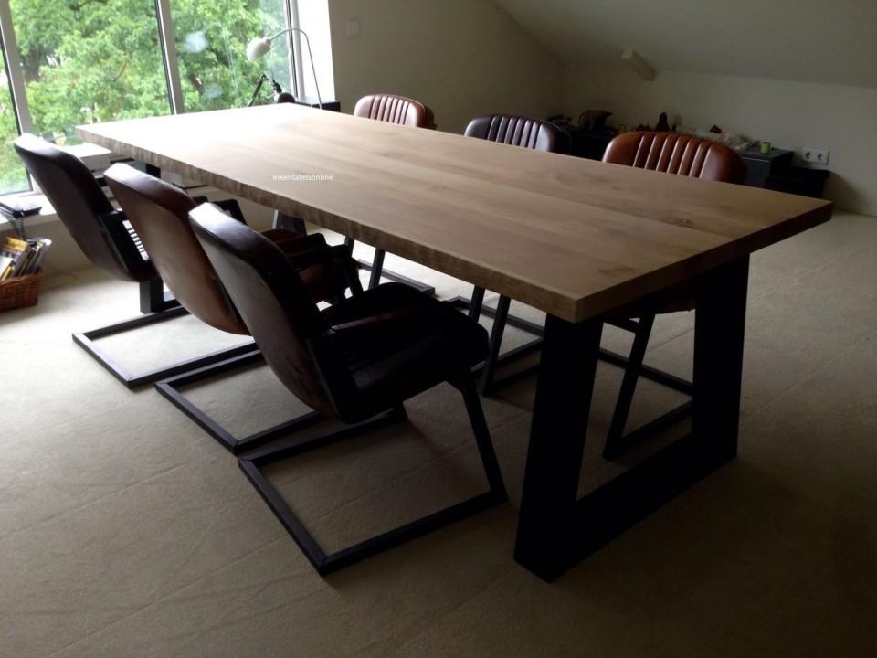 Eiken tafel - 6 cm dik - metalen trapezium onderstel 10x10 cm